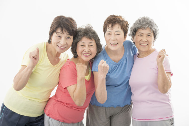 老後の趣味を楽しむ!シニア女性におすすめの趣味ランキングと趣味にかかる費用