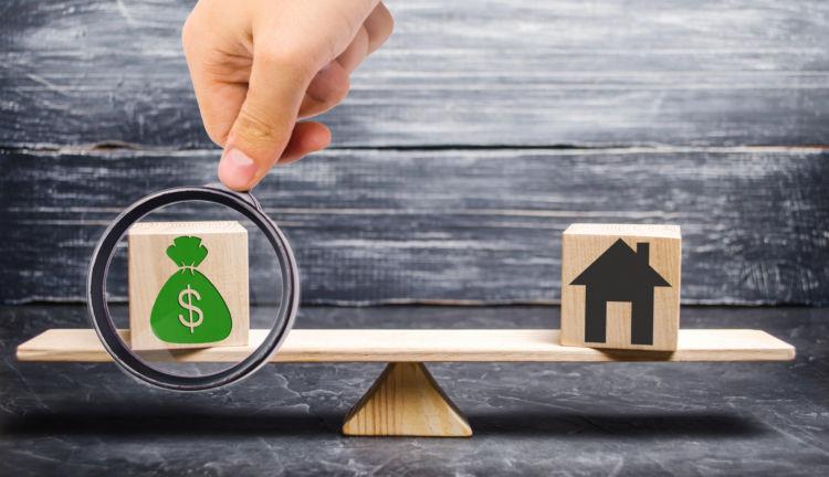 ファンドと投資信託、何が違う?