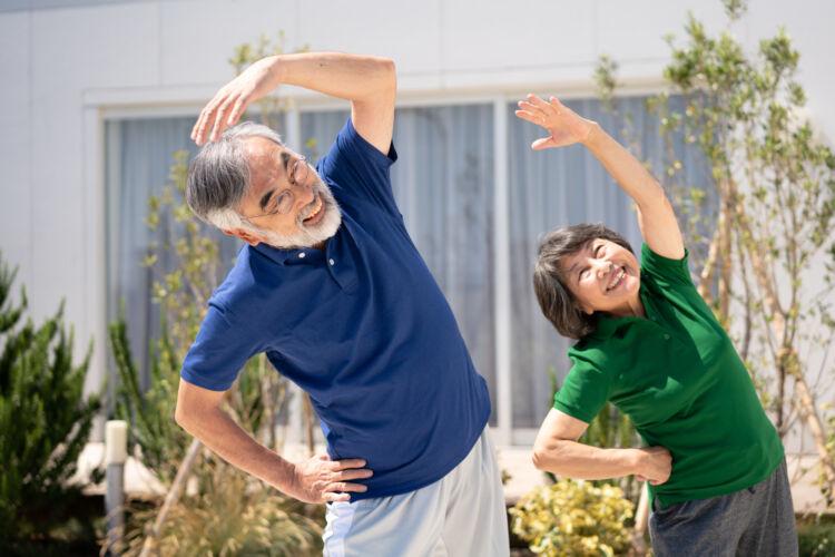 定年後も健康に!シニアにおすすめの体力づくりの方法を紹介
