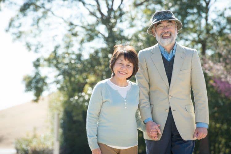 年金生活の親を扶養に入れるメリット・デメリットや条件や注意点は?