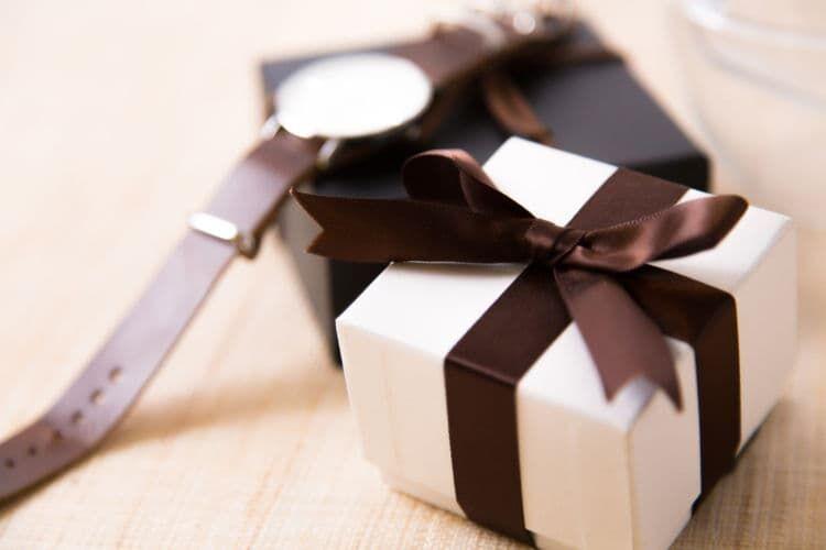 【女性編】成人祝いに贈る品物の例