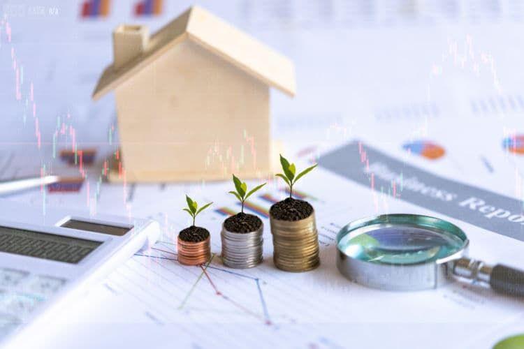 他の金融商品との組み合わせや掛け捨て型保険も検討すべき