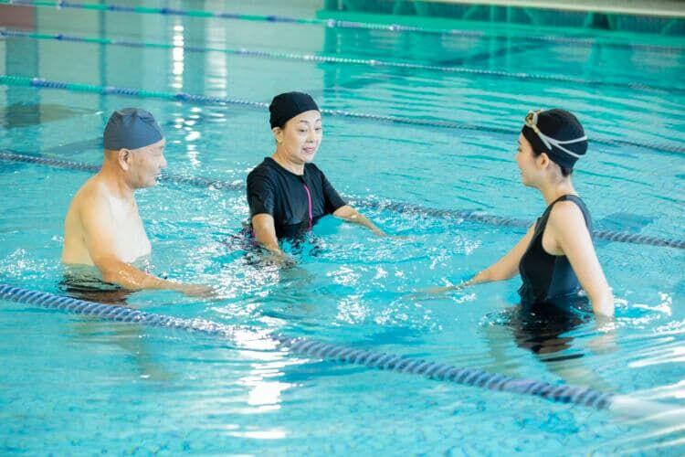 「水中ウォーキング」で心肺機能の向上を