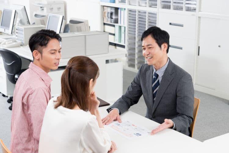 定年後、企業や団体などに再就職して働きたい人におすすめ