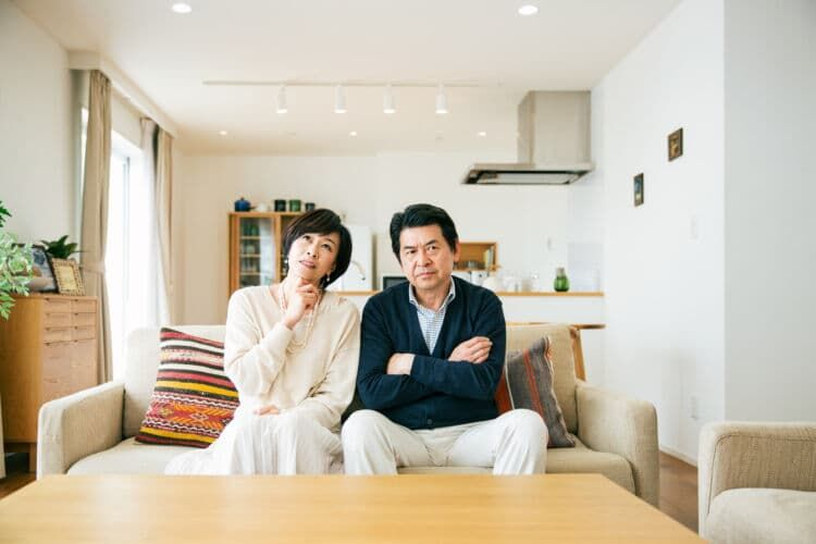 年の差夫婦は注意!夫が65歳になると家計負担増も!?