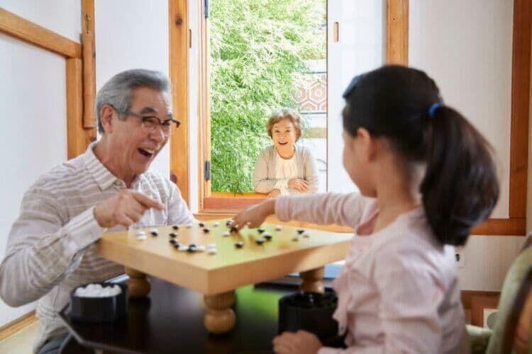 2. 囲碁〜初心者でも学びやすく仲間も見つけやすい〜