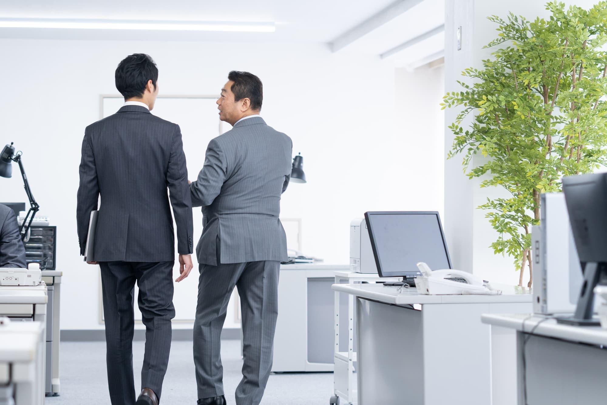 ③転職先が決まるまで会社を辞めない